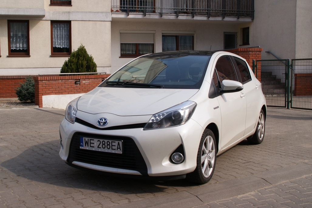 ma a hybrydowa toyota test toyoty yaris hybrid. Black Bedroom Furniture Sets. Home Design Ideas