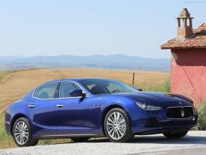 Maserati-Ghibli_2014_800x600_wallpaper_04